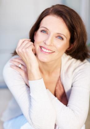 modne kvinder over 50 hvordan kommer man som kvinde